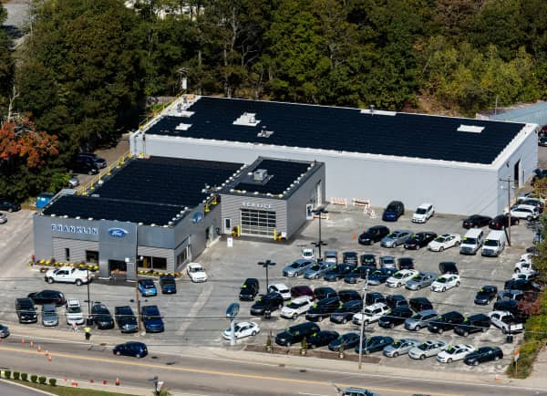 Solect Installs 142.5 kW Array At Ford Dealership