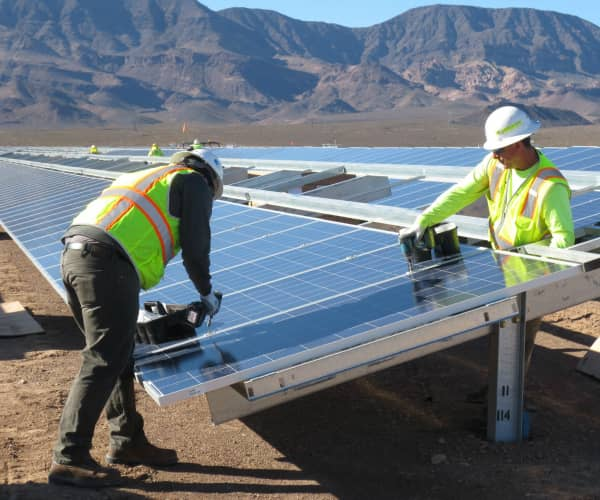 Last Solar Modules Installed At Copper Mountain Solar 3