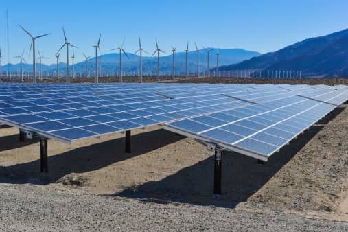 ThinkstockPhotos-464963037 Report: Solar And Wind Could Eclipse Fossil Fuels By 2030
