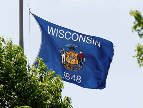 ThinkstockPhotos-178575970 Co-op To Buy Power From A Dozen New Wisconsin Solar Projects