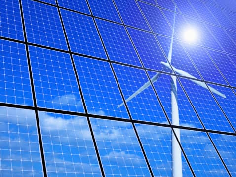 ThinkstockPhotos-453743243 EDF Renewable Energy Enters Distributed Solar, Storage Business