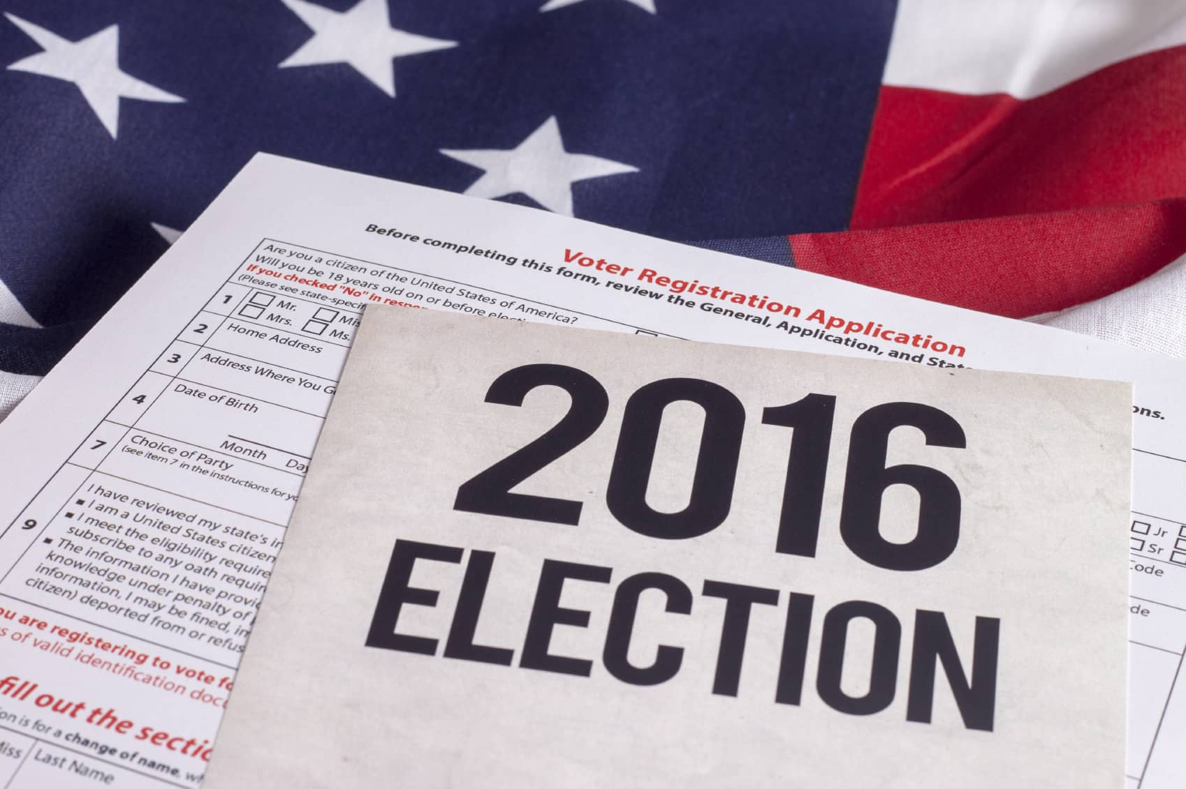 iStock_000065900037_Medium Poll: Candidates' Solar Stance Could Sway Independent Voters In Swing States