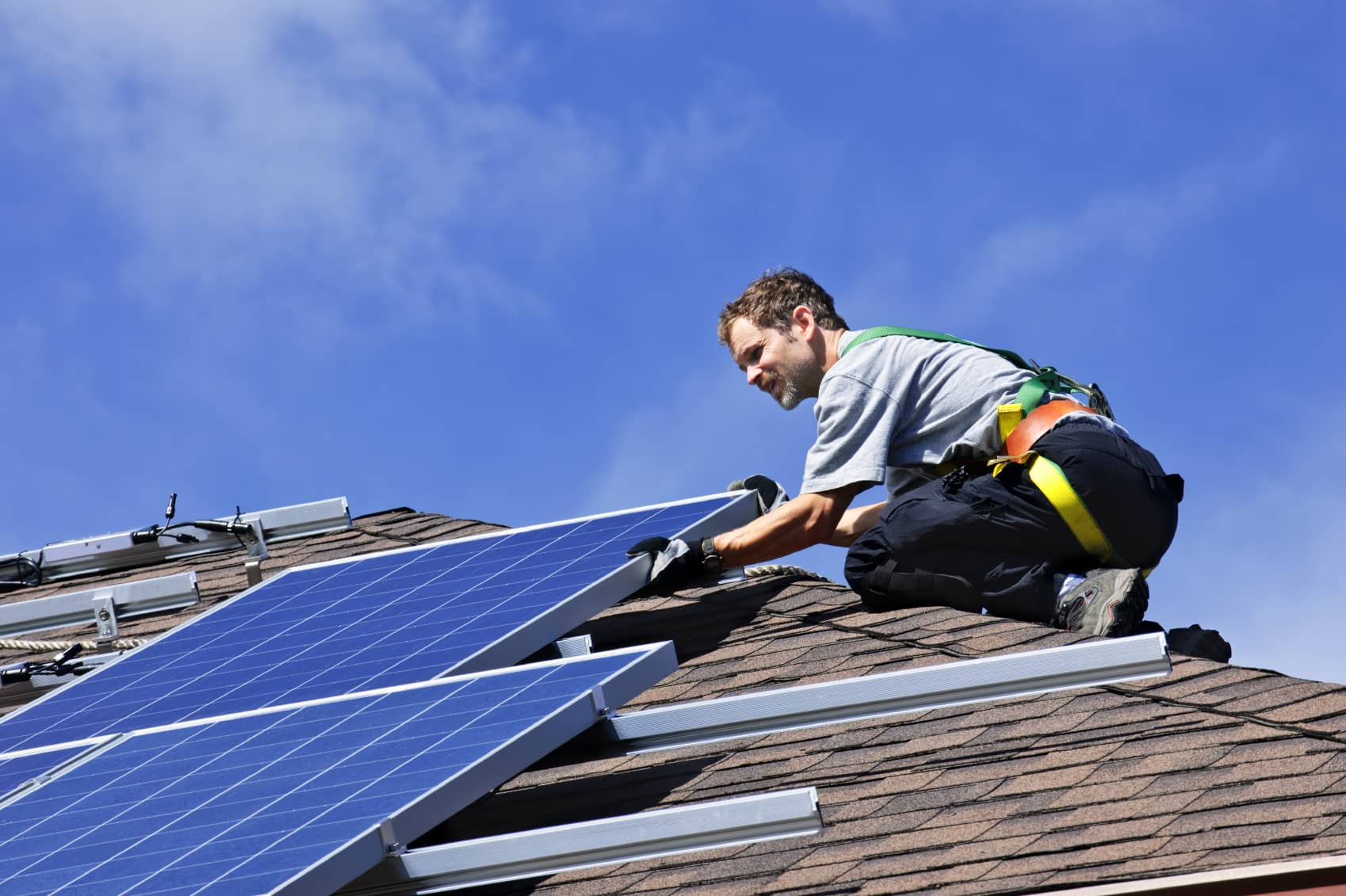 iStock_000014433431_Medium Solar Industry Remains Largest Renewable Energy Employer In The World: IRENA