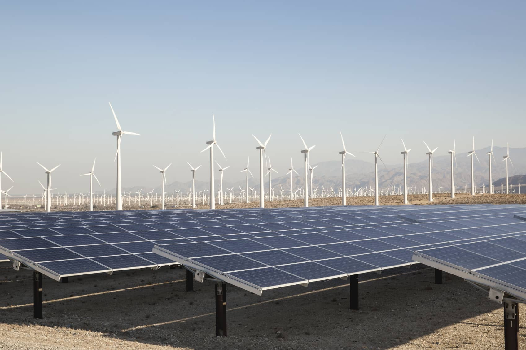 iStock_000074694629_Medium Report: U.S. Renewables Set Generation Records In Q1