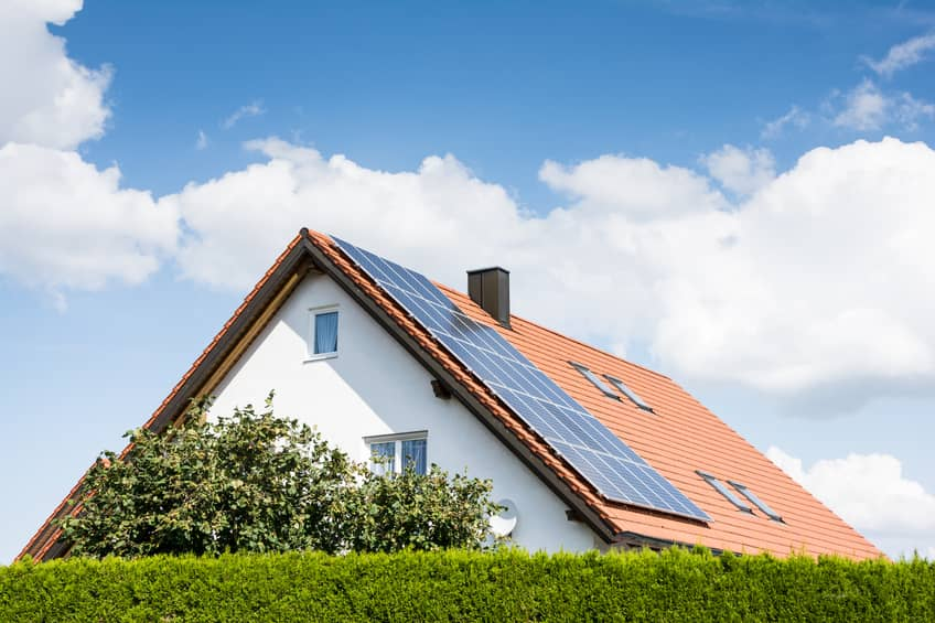 iStock_47110684_SMALL SolarMax Rolls Out All-In-One, Fully Integrated Energy Storage System