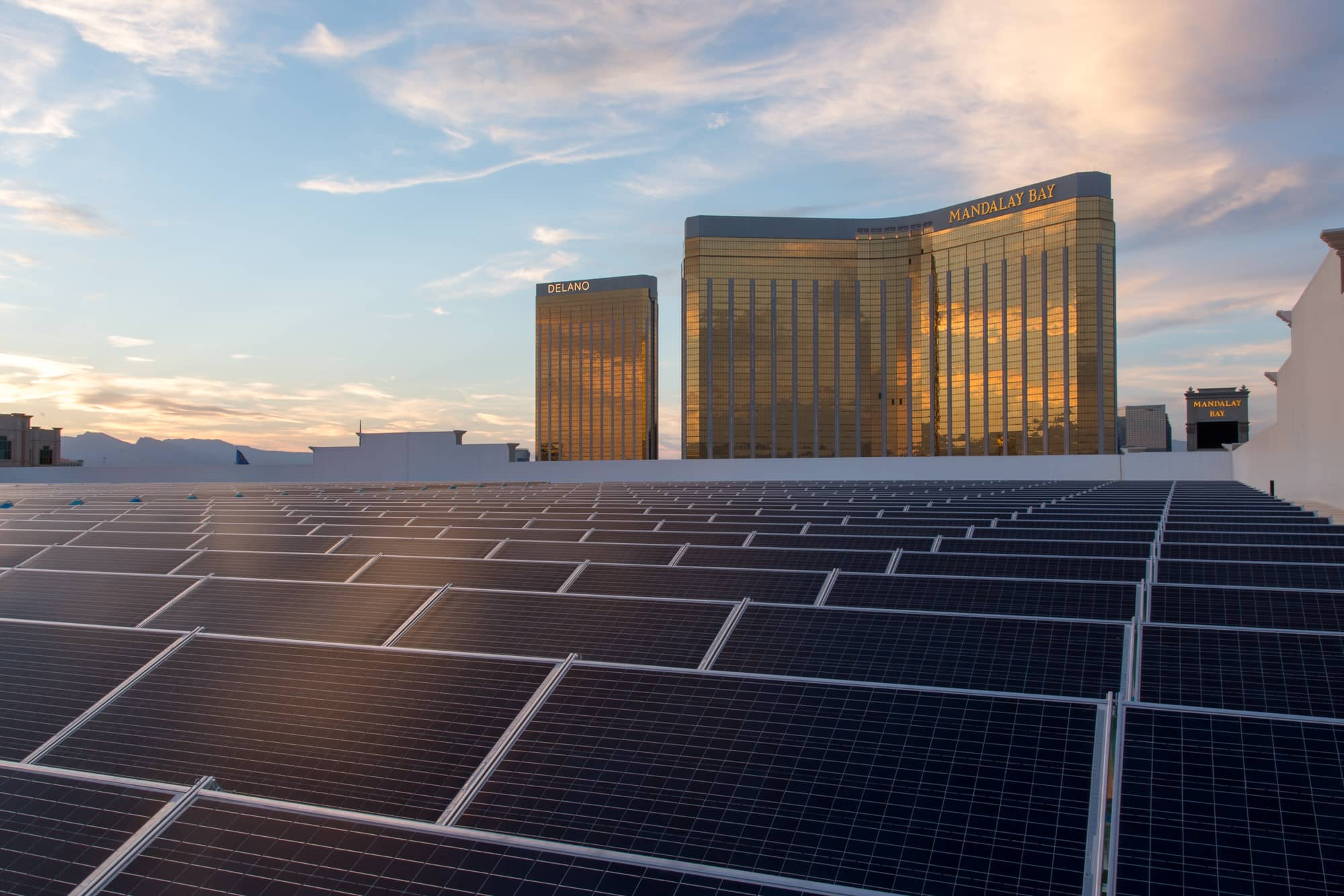 20160608_nrg_mandalay_bay_0103-1 MGM Resorts And NRG Complete U.S.' Largest Rooftop Solar Project