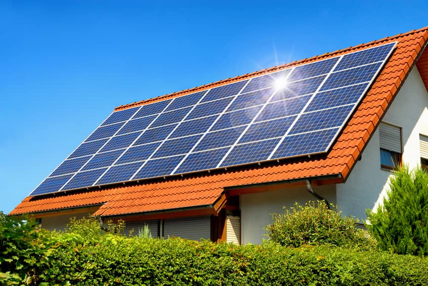 iStock_49020018_SMALL OneRoof Energy Offloads 19.8 MW Of Solar Projects