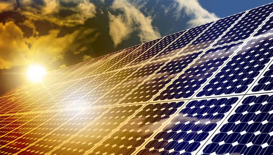 iStock_73384421_SMALL D. E. Shaw Renewable Begins Construction On 100 MW Solar Project