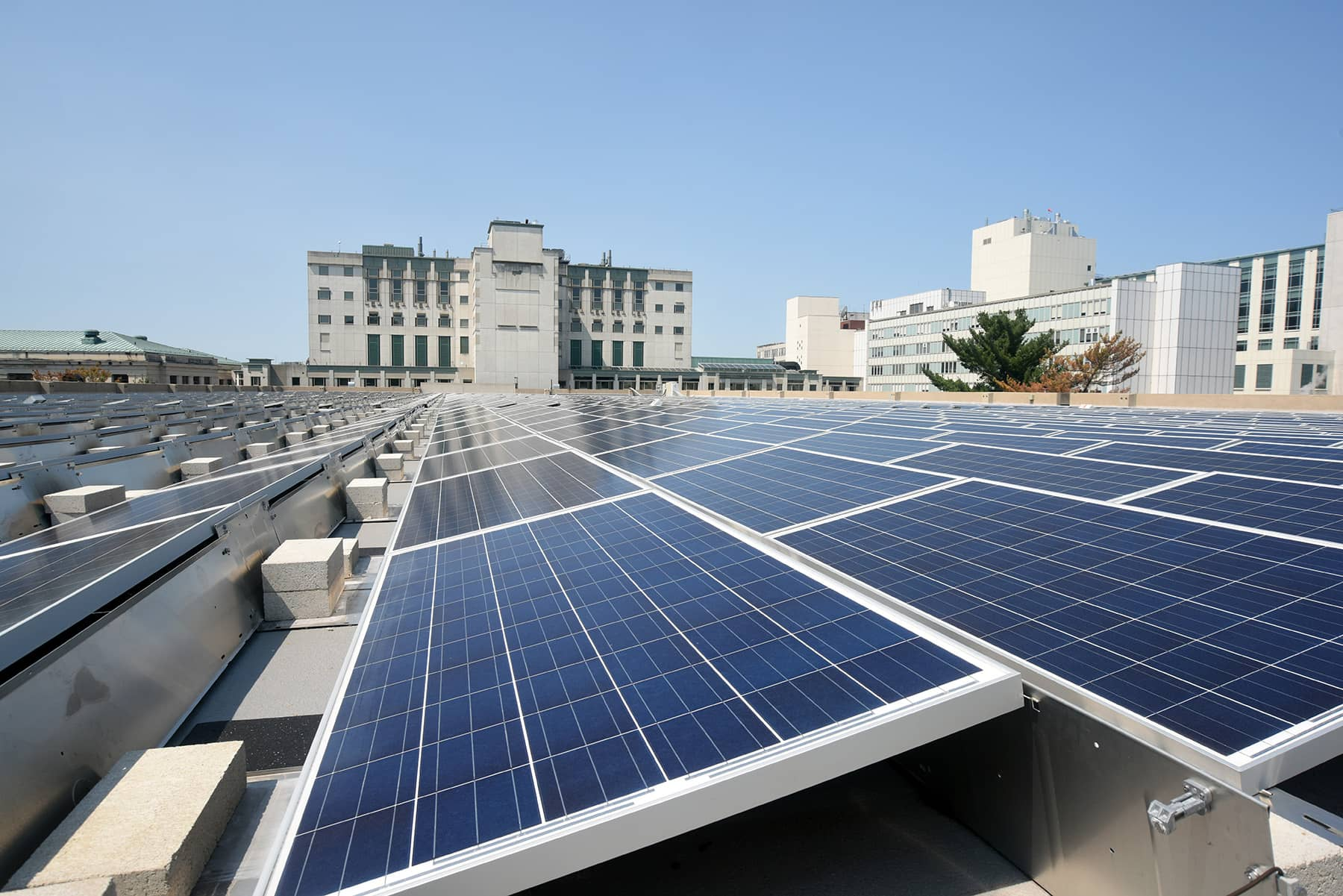 St.-Francis Saint Francis Hospital And Medical Center Adds Rooftop Solar