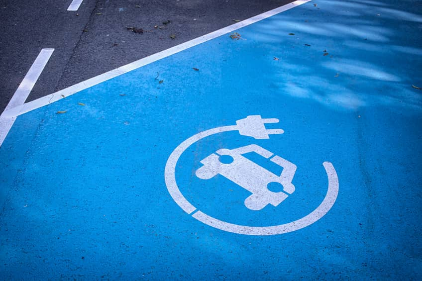 iStock_27822235_SMALL Consumer Study Explores Link Between Solar And Electric Vehicles