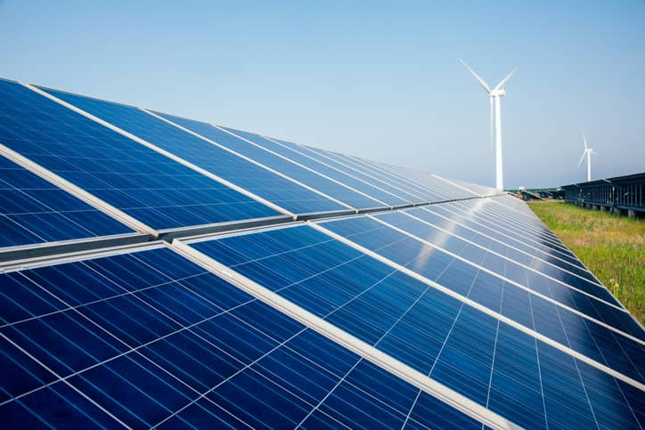 iStock-612720768 Report: Renewables Provided 15% Of U.S. Electricity In First Three Quarters