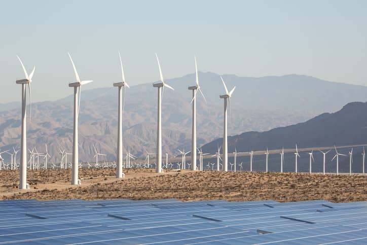 iStock-489486136 Calif. Lawmaker Seeks 100% Renewable Portfolio Standard