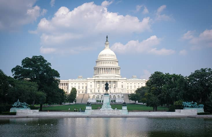 iStock-511742362 Coalition Urges Congress To Support 100% Renewables Goal