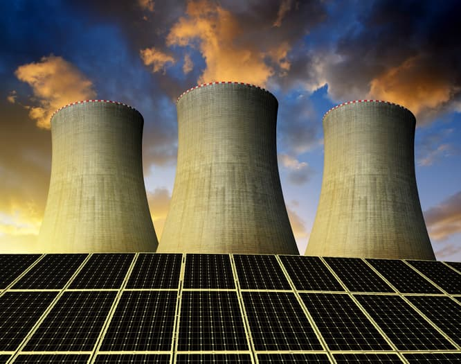 iStock-502353274 NextEra Plans 100 MW Solar Project Next To Wis. Nuclear Plant