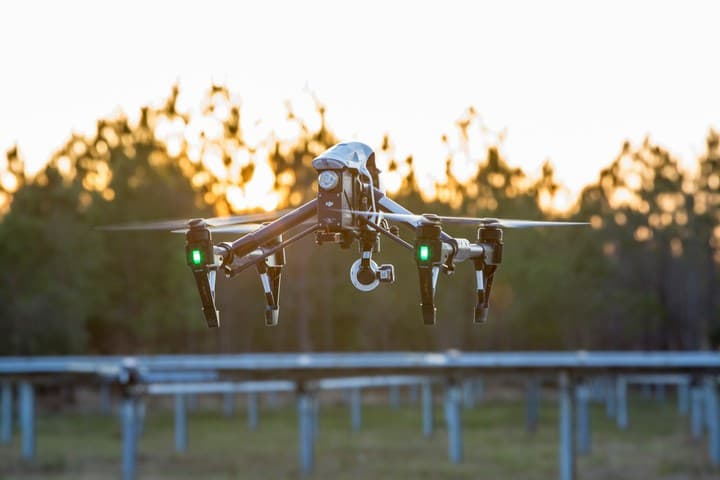 Measure_inspecting_20MW_of_solar_photovoltaics AES Further Embraces Drones For Energy Project Inspections