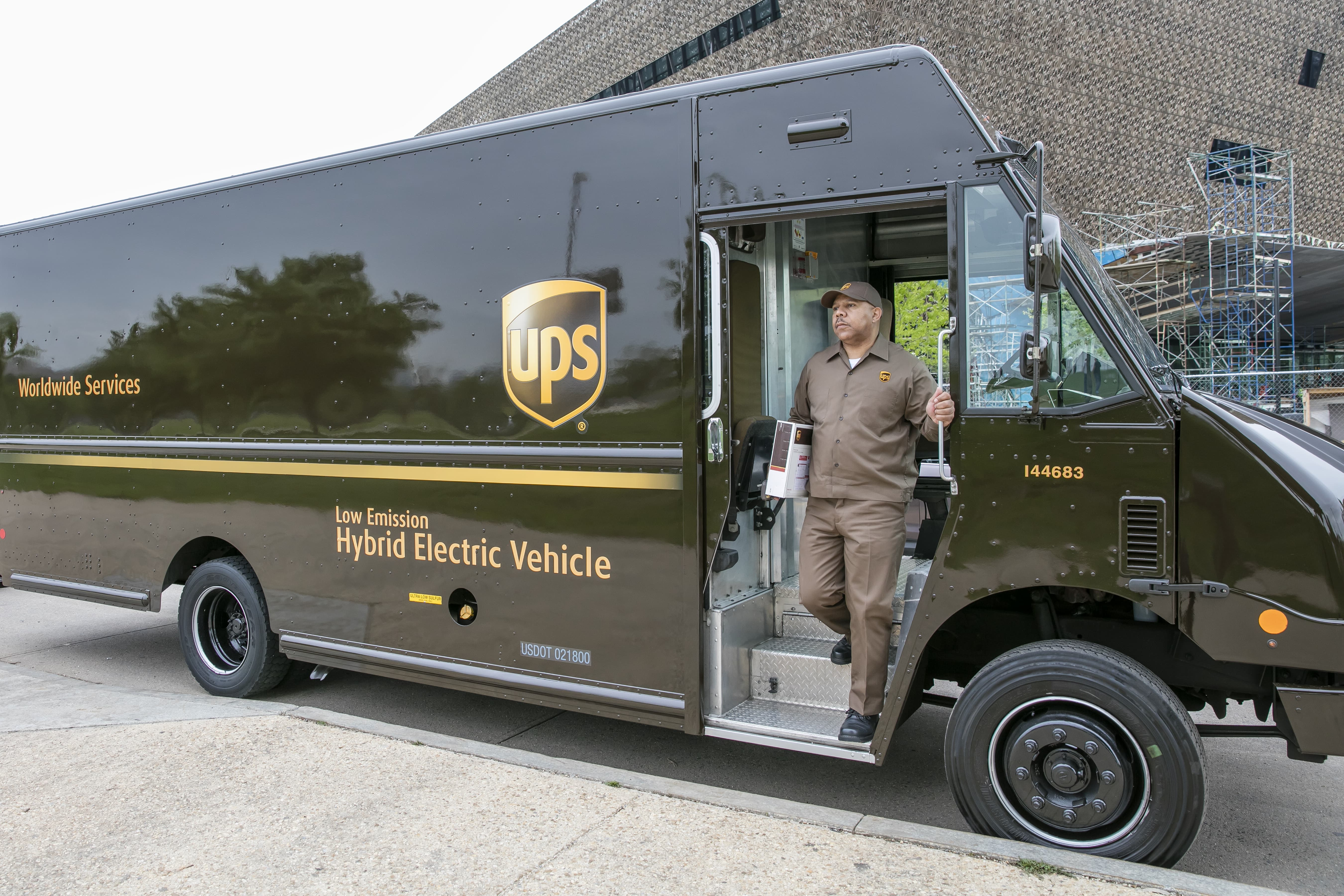 assets_img_media_Susty20Report201 Special Delivery: UPS Plans To Bring More Solar Online