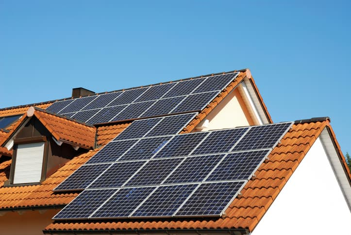 iStock-94100096 Arizona Utility Adds New Solar Fees Amid Policy Shift