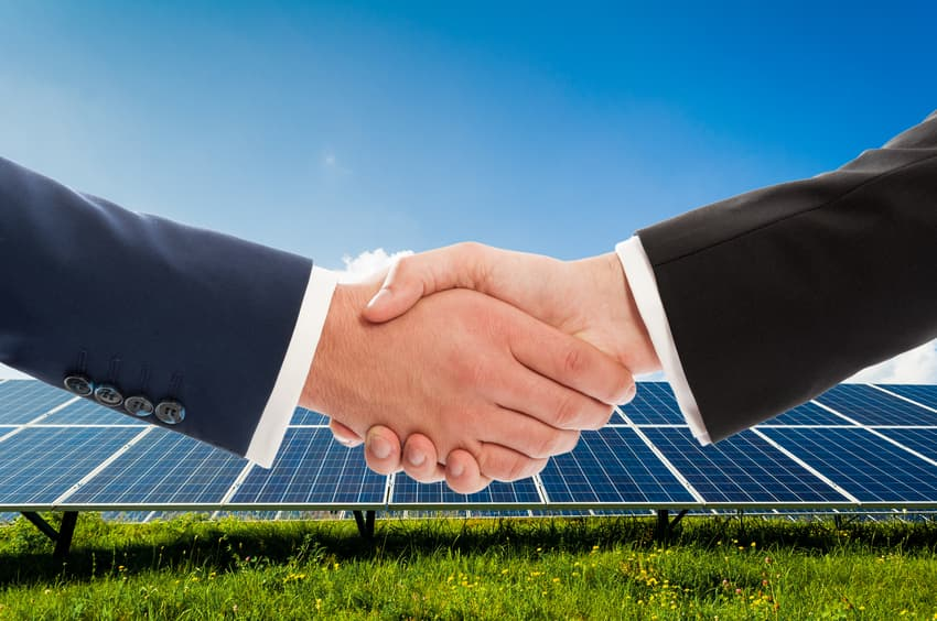 iStock_70596131_SMALL Government Partnerships Continue To Boost Solar Projects