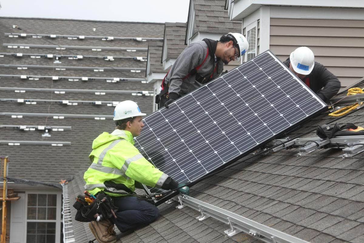 GRID-1 GRID Alternatives, Connecticut Green Bank Kick Off Low-Income Solar Program