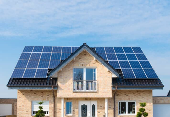 iStock-471452304 2017 Is 'Off To A Busy Start' For Distributed Solar Policy Actions