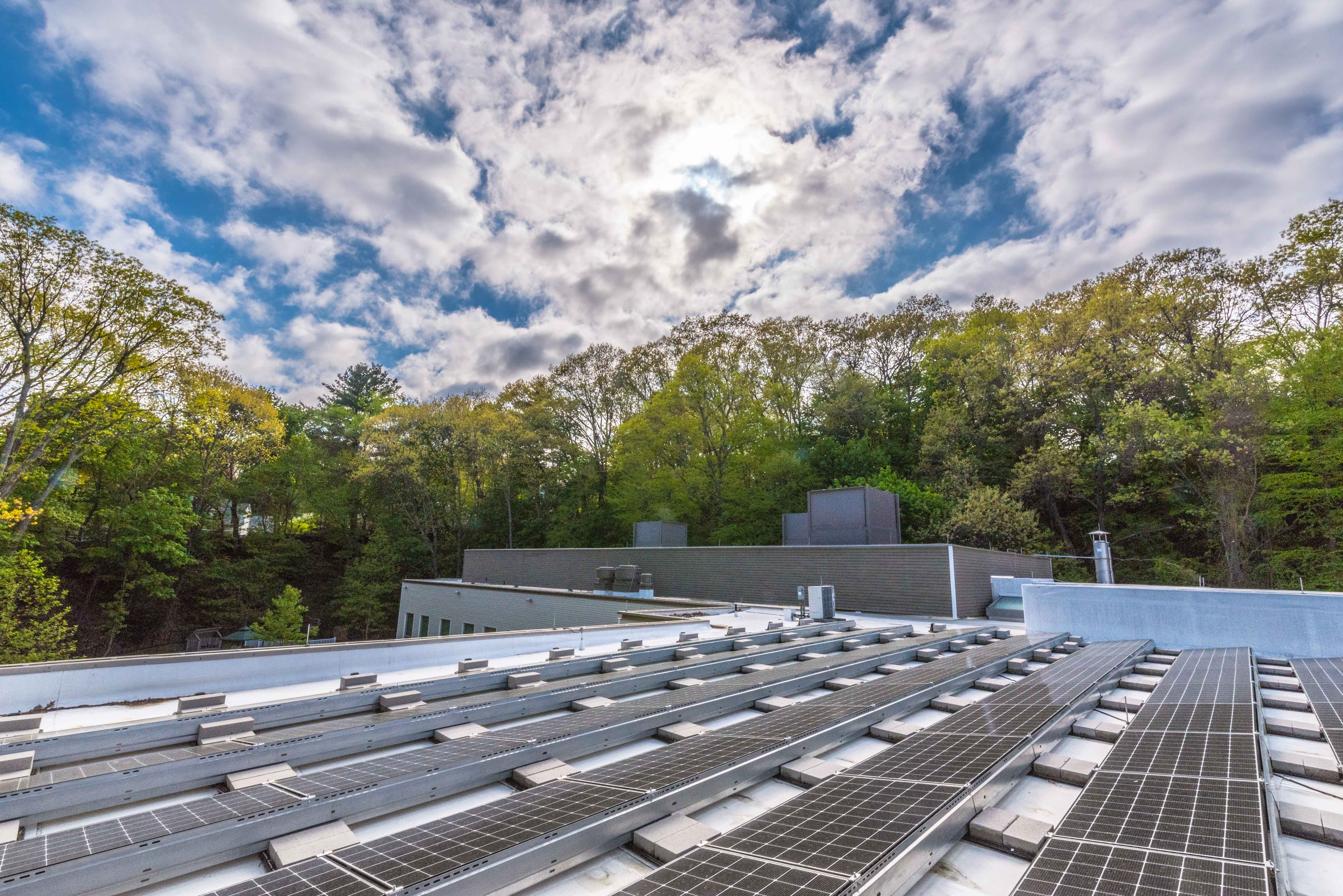 Solect Rabbi Calls Temple's Solar Array An 'Actualization Of Our Values'