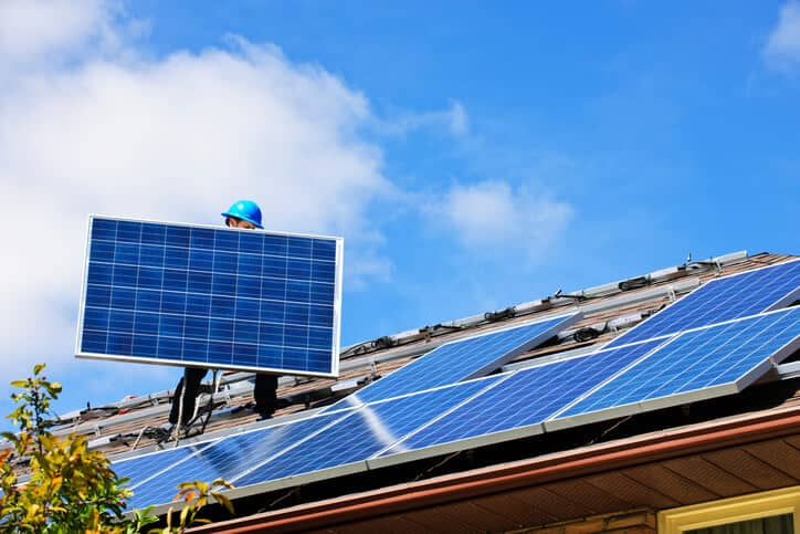 iStock-1143380171 SEC Investigating Sunrun And SolarCity Over Contract Cancellations