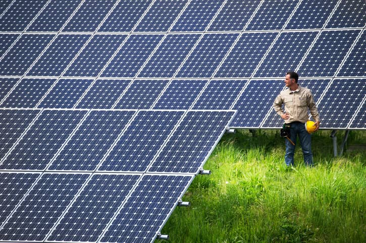 iStock-1535529431 EIA Charts Utility-Scale Solar's 'Rapid' Five-Year Growth