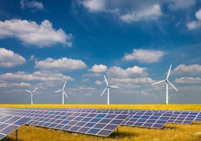 iStock-185520686 Report: U.S. Renewables Growth Is 40 Years Ahead Of Previous Forecast