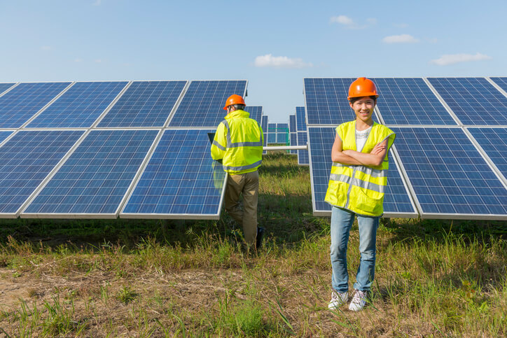 iStock-533847379 Solar Provided The Most Global Renewable Energy Jobs In 2016