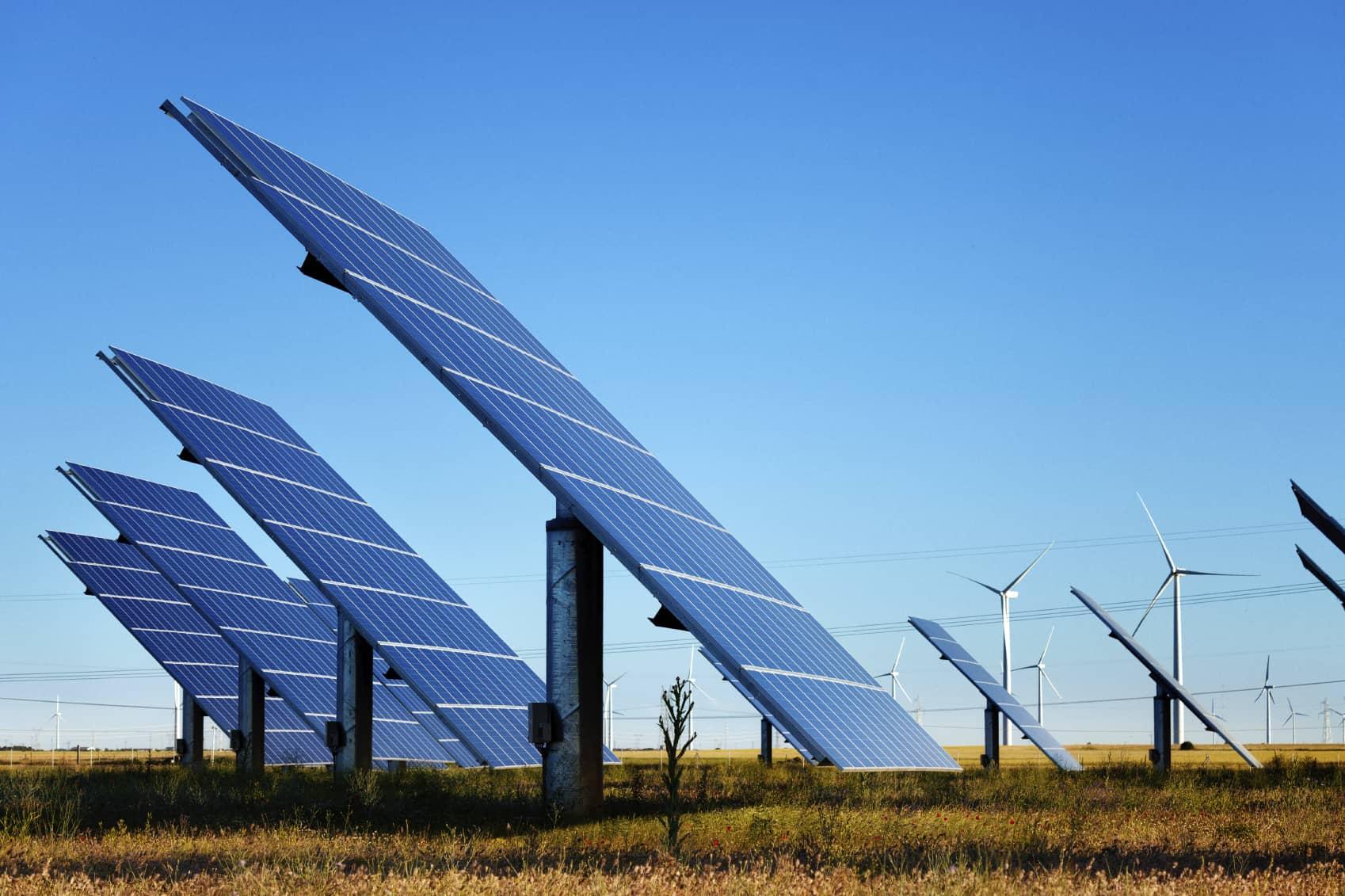 iStock_000025766810_Medium State Lawmakers Eye Bigger Renewable Portfolio Standards
