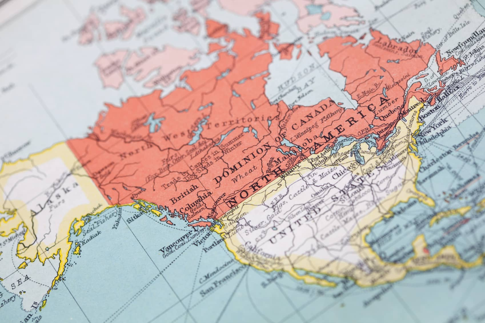 iStock_000012215448_Medium3 Report: North America Leads Growing Microgrid Sector