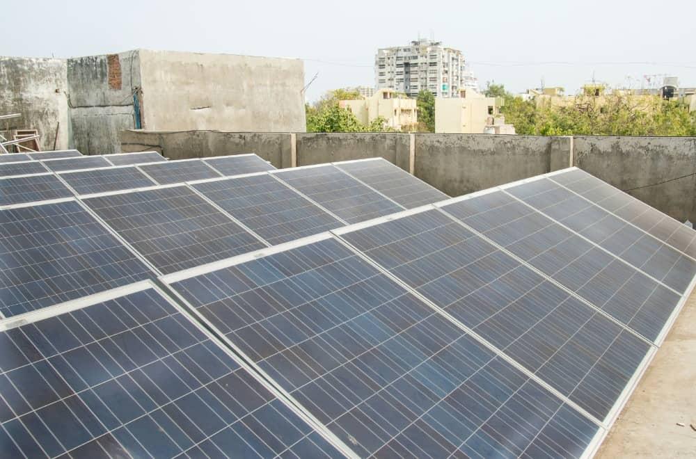 iStock_000059931514_Medium World Bank Backs Rooftop Solar Program In India