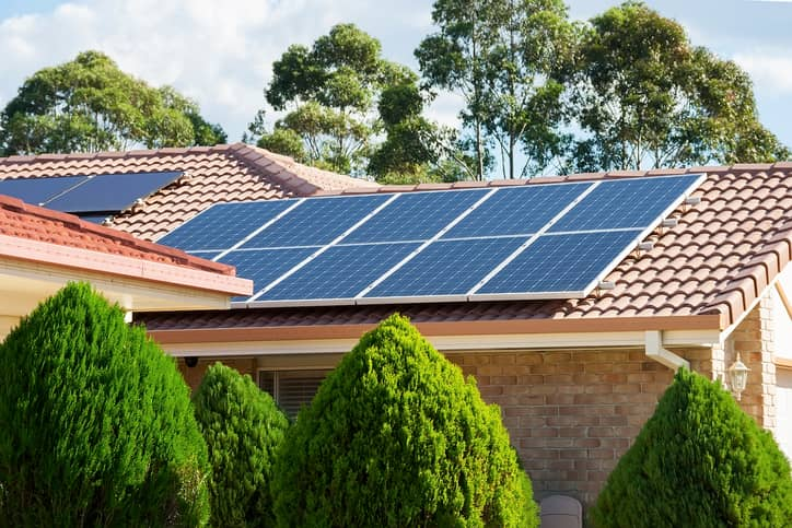 iStock-494417257 SDG&E: San Diego Surpasses 100,000 Private Rooftop Solar Arrays
