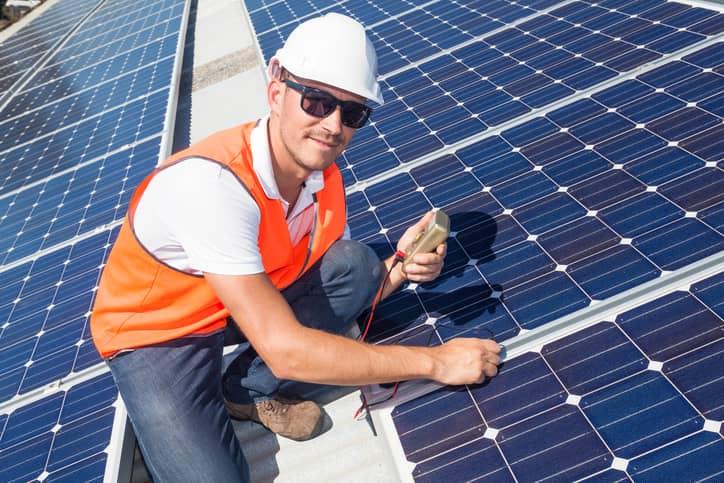 iStock-518456827 Massachusetts Surpasses 100,000 Clean Energy Jobs