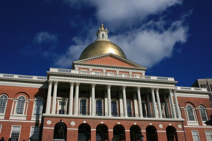 iStock-144329985 Mass. Legislators Propose 100% Renewable Energy Mandate