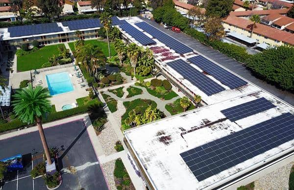 silicon valley hotel goes green with solar ev stations. Black Bedroom Furniture Sets. Home Design Ideas