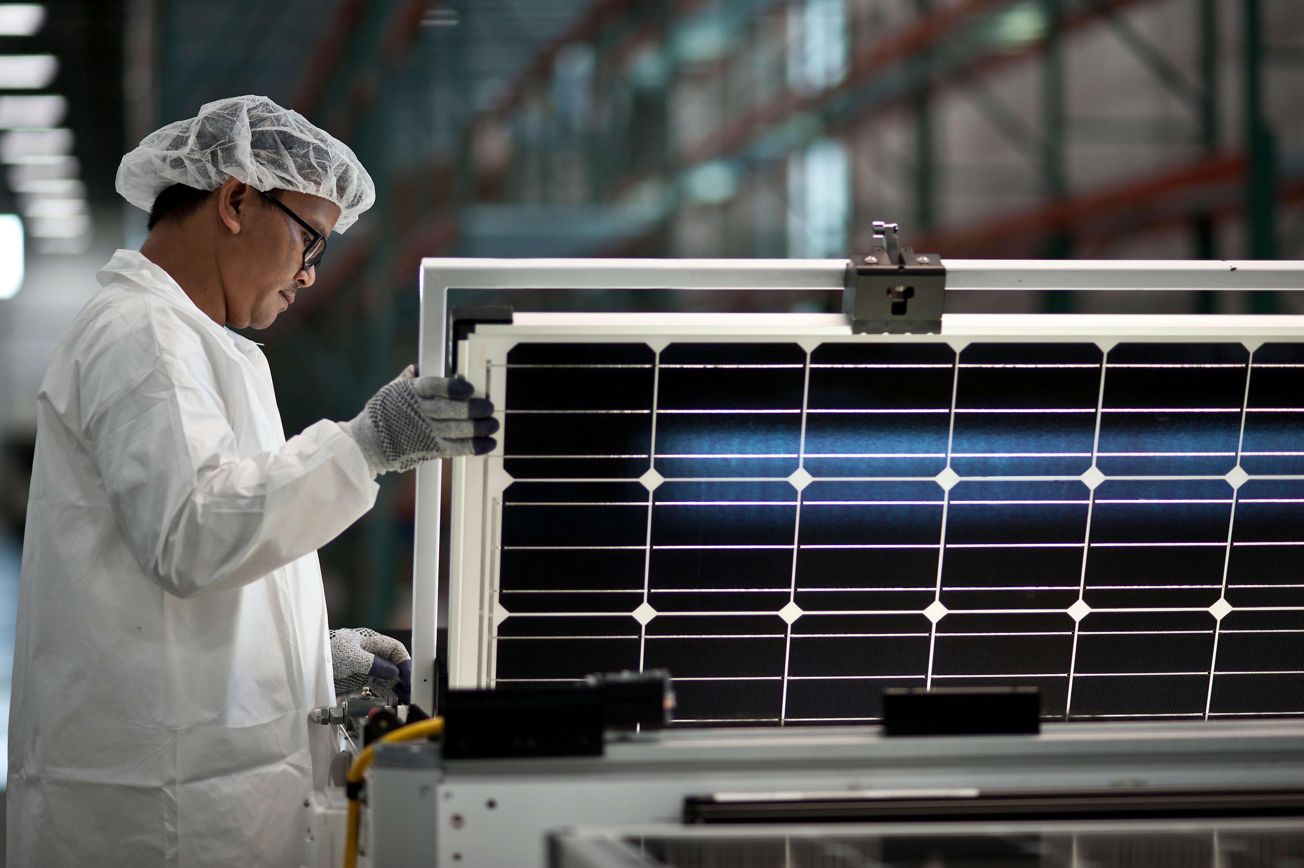 solarworld-hillsboro-factory-module-inspection SolarWorld Americas Pushes Forward Despite Parent's Insolvency